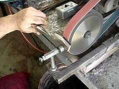 A newcomer to metal working or even having trouble with certain plans? Avoid these mistakes that newbies tend to make in metal working. Just click below to get a collection of useful recommendations. Find more information on metal working. Knife Grinding Jig, Knife Grinder, 2x72 Belt Grinder Plans, Forging Knives, Tactical Knives, Woodworking Hand Planes, Knife Making Tools, Sharpening Tools, Blacksmith Tools