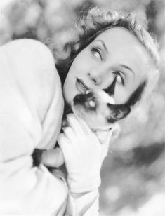Carole Lombard with Siamese