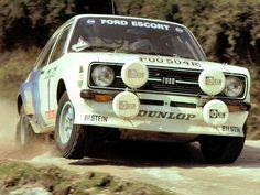 combination of Mikkola and Ford Escort - 1979 Rally of Portugal. Ford Sport, Ford Rs, Sport Cars, Motor Sport, Classic Sports Cars, Classic Cars, Ford Motorsport, Portugal, Ford Motor Company