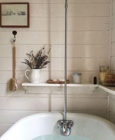 retro modern home decor Cosy Bathroom, Modern Bathroom, Washroom, Bathroom Goals, Bathroom Inspiration, Home Decor Inspiration, Humble Abode, Beautiful Bathrooms, My Dream Home