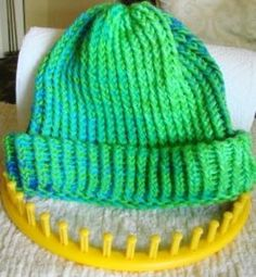 My Favorite Circular Loom Knitted Hat Loom Knitting For Beginners, Round Loom Knitting, Loom Knitting Stitches, Spool Knitting, Knifty Knitter, Loom Knitting Projects, Finger Knitting, Knitting Tutorials, Knitting Machine