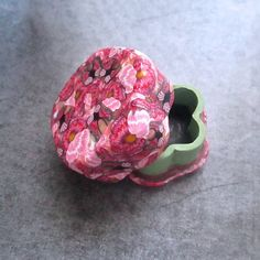 Daisy shaped Pink Pansy & Butterfly Custom Gift Box/Pill Box by Deb Hart