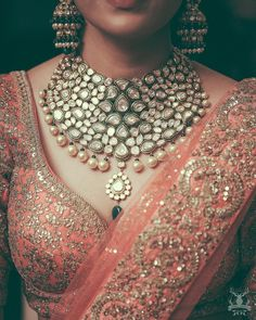 Names of 9 Popular Bridal Necklace Types for Indian Brides! *With Photos* Fashion Necklace, Fashion Jewelry, Gold Fashion, Bridal Fashion, Trendy Fashion, Fashion Outfits, Fashion Trends, Indian Wedding Jewelry, Asian Bridal Jewellery