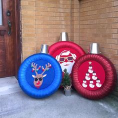 Recycle used tires and spread holiday cheer! Check out our easy, step-by-step guide for turning old tires into stunning, oversized holiday ornaments. Handmade Christmas Decorations, Diy Christmas Ornaments, Xmas Decorations, Christmas Projects, Holiday Crafts, Christmas Crafts, Christmas Décor, Tire Craft, Tyres Recycle