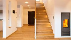 Fertighaus WEISS - Musterhaus Ulm Prefabricated Houses, Prefab Homes, Concrete Stairs, Interior Decorating, Interior Design, House Stairs, Model Homes, Interior And Exterior, My House