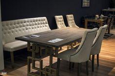 Преобразованные пространства столовых с прохладными скамьями