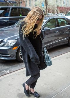 great casual/comfy look: blacks with flats and huge overcoat/cardigan
