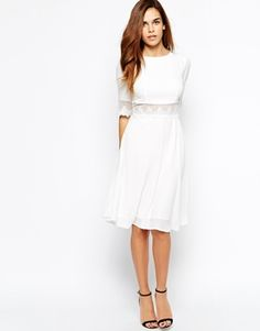 Elise Ryan Midi Skater Dress With Lace Trim robe blanche avec dentelle