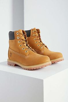 Timberland Premium Work Boot - Urban Outfitters SIZE 6 please