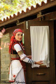 Athens Greece, Macedonia, Traditional Dresses, Folk, Greek, China, Dance, Costumes, Beauty