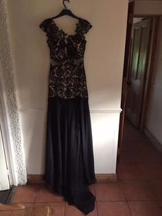 Mac Duggal ,US 4/UK 8 nude and black lace ,evening dress