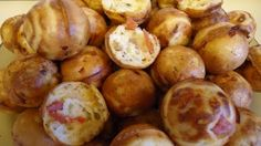 Unique Party Food to Go: Babycakes Pizza Poppers - i would change bisquik for carbquik - to keep the (pizza) ball rolling. Babycakes Cupcake Maker, Babycakes Recipes, Pizza Poppers, Yummy Appetizers, Appetizer Recipes, Popcake Maker, Baby Cakes Maker, Baby Food Recipes, Cooking Recipes