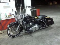 Cholo Street Glide | pic's of ape hangers on touring bikes?-gasstationpic.jpg