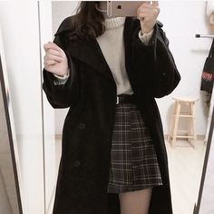 8 Extraordinary Fashion Classy Blindsiding Ideas.Women's Fashion Tips Black Girl Fashion, Cute Fashion, Denim Fashion, 90s Fashion, Autumn Fashion, Vintage Fashion, Fashion Outfits, Fashion Online, Retro Outfits