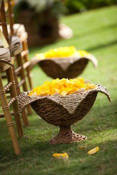 decoration-mariage-jaune.jpg (600×900)