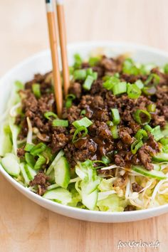 Salade au Boeuf Sauté, Soja, Gingembre et Curry - Expolore the best and the special ideas about Frugal meals Beef Tip Recipes, Curry Recipes, Beef Tips, Roast Recipes, Healthy Eating Tips, Healthy Cooking, Healthy Recipes, Clean Eating, Easy Chinese Recipes