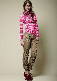 ruched leg with button tab. but just not the shoes. Trouser Pants, Khaki Pants, Ethical Fashion, Sustainable Fashion, Stripes, Beige, Style Inspiration, Skinny, Pocket