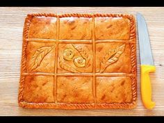 Empanada Gallega is a Spanish pie where a beautiful savory crust holds a filling of tuna, tomato, bell peppers and onions. ¡Que Rico! Sicilian Recipes, Mexican Food Recipes, Sicilian Food, Cuban Cuisine, Quirky Cooking, Pan Dulce, Pie Cake, Peppers And Onions, Ham And Cheese
