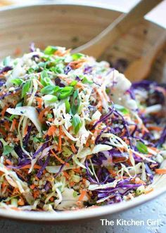 Asian Slaw Recipe with Quinoa and Sesame Ginger Vinaigrette Asian Quinoa Slaw Salad is clean-eating, Asian-style, vegetables and protein-packed quinoa. Meal prep it for the busy week. Add chicken, pork, or other veggies. Vegetarian Recipes, Cooking Recipes, Healthy Recipes, Cooking Rice, Cooking Pork, Cheap Recipes, Vegetarian Lunch, Budget Recipes, Kraft Recipes