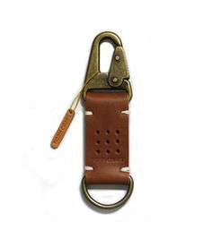 Leather Key Holder, Leather Keychain, Leather Wallet Pattern, Leather Projects, Small Leather Goods, Key Fobs, Leather Design, Leather Accessories, Textile Patterns