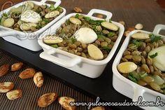 A dica para o #almoço é esta deliciosa, saudável e leve Salada de Lentilhas com Amêndoas e Queijo de Búfala!  #Receita aqui => http://www.gulosoesaudavel.com.br/2012/02/22/salada-lentilhas-amendoas-queijo-bufala/