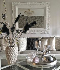 Marvelous Gray Home Decor Design For Trend 2020 « inspiredesign Table Decor Living Room, Grey Home Decor, Coastal Living Rooms, Decoration Table, Table Centerpieces, Living Room Designs, Home Furniture, Furniture Design, Home Accessories