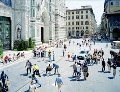 Plate No. 0347, Firenze Via Via, 1998. Massimo Vitali.