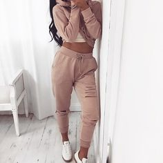 Loungewear from @misspap Use code LOUNGE20 Eyebrow Makeup Tips