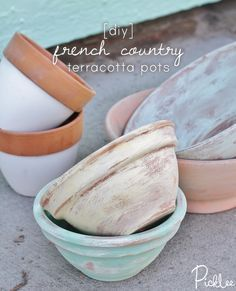 DIY terracotta pots-chalk-paint-french-country #chalkyfinish