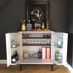 Home Bar cart Home Bar Rooms, Home Bar Areas, Diy Home Bar, Bars For Home, Ikea Bar Cart, Bar Cart Decor, Bar Carts, Drink Display, Welsh Dresser