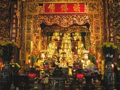 Trấn Quốc Pagoda in Hanoi http://hivietnam.vn/temple-of-literature-hanoi/ http://hivietnam.vn/hanoi-opera-house/ http://hivietnam.vn/ha-noi/