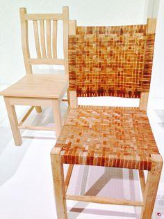 Silla Toledo, Hagerman por Francisco Toledo y Óscar Hagerman  Madera certificada de bosques sustentables con tejido artesanal de cuero de res.  Madera de pino estufada de bosques sustentables.