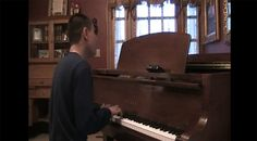 "Blind piano prodigy plays Freestylers' ""Cracks"""