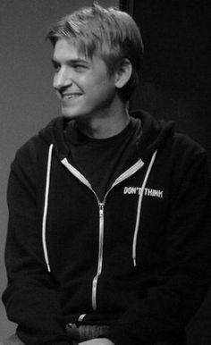 Steve Szlaga, rising #improv star #interview MirthinaBlog.com