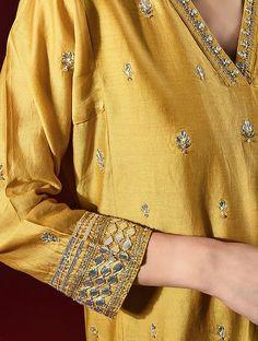 Silk Kurti Designs, Salwar Designs, Kurta Designs Women, Blouse Designs, Pakistani Kurta, Salwar Kurta, Pakistani Dresses Casual, Pakistani Dress Design, Embroidery On Clothes