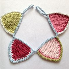 Mini crochet bunting tutorial by Ruby & Custard
