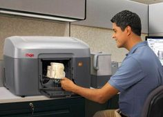 Интерактивные контактные линзы можно печатать на 3D-принтере  Большая часть нынешних 3D—принтеров применяют в роли чернил металл и специальный пластик, создавая из них достаточно простые объекты. Одной из серьезных трудностей стремительно развивающихся технологий трехмерной печати сейчас является сочетание нескольких материалов.