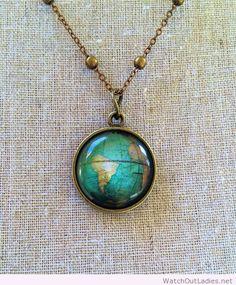 Globe pendant necklace #BeautifulFineNecklaces