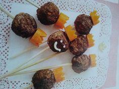 Koninklijke gehaktballen! (De balletjes van de koningin ;-) ) met een leuk oranje wortelkroontje