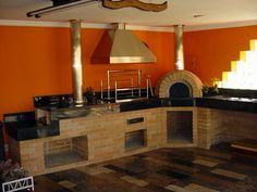 Fogão a Lenha | Bella Telha Homestead Kitchen, Forest House, Home Decor, House Designs Exterior, Fireplace, Outdoor Kitchen, Wood Fired Oven, Kitchen Design, White Christmas Decor