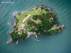 Um ângulo pouco usual da ilha de Anhatomirim - Florianópolis Imagem: Ricardo de Los Santos  Eu (y) Santa Catarina em fotos