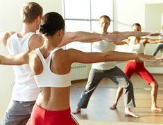 Ein gesunder und starker Rücken braucht regelmäßiges Training. Muskeln müssen gestärkt werden, um die aufrechte Haltung im Allag durchführen zu können.... - Übungen, Wirbelsäule, Lendenwirbel