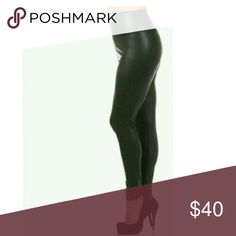🔴Sale HP 🍥 [Plus] Highwaist Leggings 95% poly 5% spandex. Legging are high waist and a matte black. Some space in the ankles. Boutique Pants Leggings