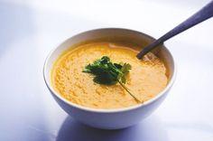 Krem z marchewki z masłem orzechowym