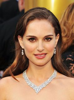 {2012 Oscars} Natalie Portman channeled vintage glamour in Dior and a set of diamond earrings and a luxe diamond necklace.