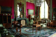 Hôtel Moïse de Camondo 61 bis, 63, rue de Monceau - 75008 Paris  Ce musée méconnu en bordure du parc Monceau est pourtant un petit bijou de mobilier et d'objets d'art du XVIIIe siècle. En plus, cette belle demeure est restée en l'état où les anciens habitants l'ont laissée au début du XIXe siècle. Quand on vous dit que Paris est magique…