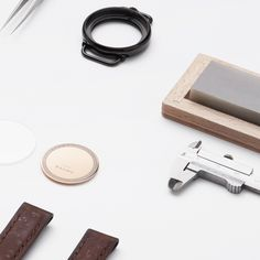 Discover Baume Watches : a unique experience to design your own custom watch. Communication Methods, French Signs, Tomorrow Will Be Better, Make Time, Usb Flash Drive, Watches For Men, Innovation, Design, Top Mens Watches