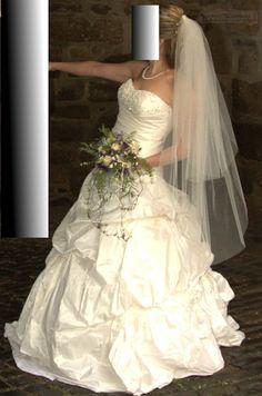 ♥ Ladybird Brautkleid Kollektion 2011 Größe 40 Farbe Ivory ♥  Ansehen: http://www.brautboerse.de/brautkleidverkaufen/ladybird-brautkleid-kollektion-2011-groesse-40-farbe-ivory/   #Brautkleider #Hochzeit #Wedding