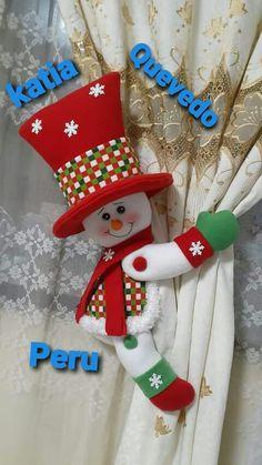 Felt Crafts, Diy And Crafts, Christmas Crafts, Christmas Stockings, Christmas Diy, Baby Sweaters, Snowman, Holiday Decor, Home Decor