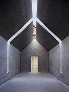 John Pawson – Stone House in Architecture & Interior design John Pawson, Roof Architecture, Contemporary Architecture, Architecture Details, Creative Architecture, Brutalist Buildings, Deco Design, House Design, Milan Italy